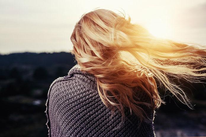 Blond włosy pod specjalną ochroną