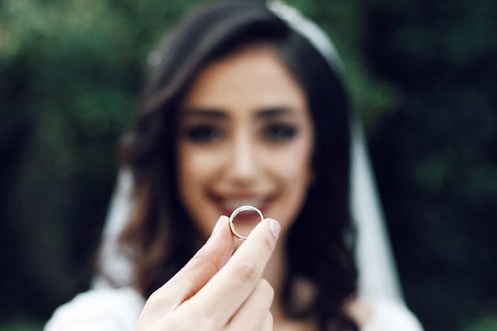 Modna biżuteria na ślub? Wybierz tę właściwą!