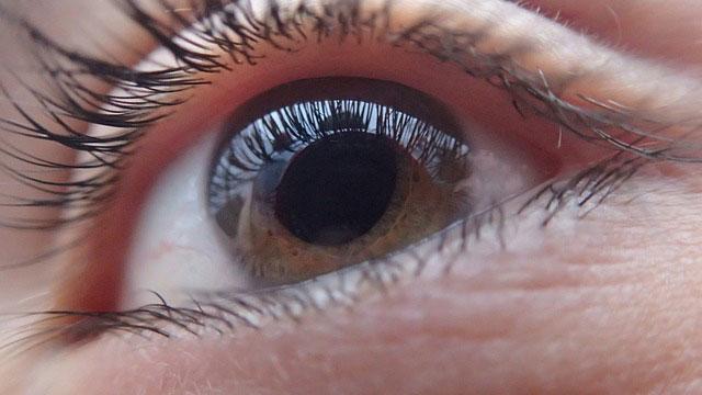 Zaćma oka – co warto wiedzieć o tej chorobie?