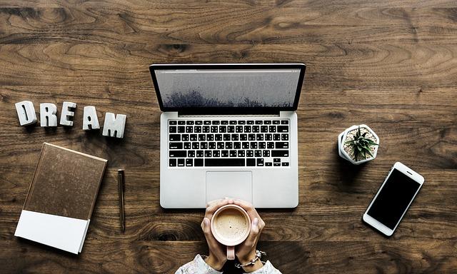 Jak efektywnie szukać informacji w internecie