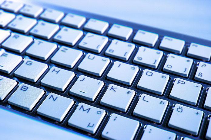 Używane komputery poleasingowe – firmowa jakość za niewielkie pieniądze