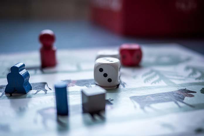 Gry planszowe dla dzieci i dorosłych – w co warto grać?