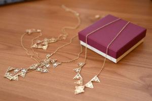 Elegancka biżuteria dla kobiet. Oto 3 wyjątkowe propozycje na lato!