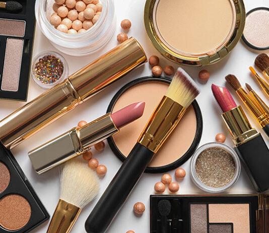 Na co zwracamy uwagę podczas zakupu kosmetyków